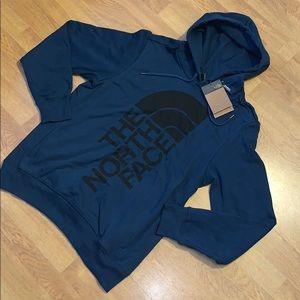 NWT The North Face 2.0 Trivert Pullover Hoodie, M
